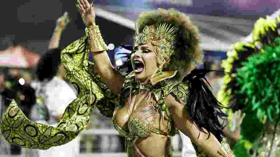 Viviane Araújo vai para o seu 15º Carnaval como rainha de bateria da Mancha Verde - Mariana Pekin/UOL