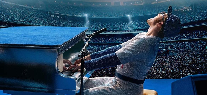 """Taron Egerton como Elton John em cena de """"Rocketman"""" - Divulgação"""