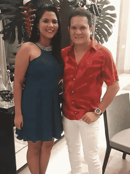 Ximbinha posa ao lado de Rebeca Moia, filha que teve fora do casamento com Joelma - Reprodução/Instagram