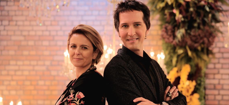"""Emannuelle Junqueira e o consultor Arlindo Grund, do reality show """"Prova de Noiva"""", no Home & Health - Discovery Home & Health"""