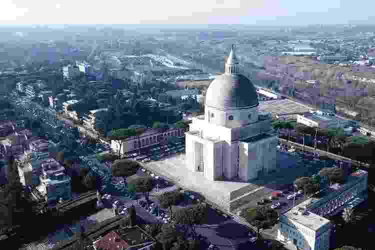 A Basílica dei Santi Pietro e Paolo: uma construção que se destaca na paisagem local - Getty Images/iStockphoto - Getty Images/iStockphoto