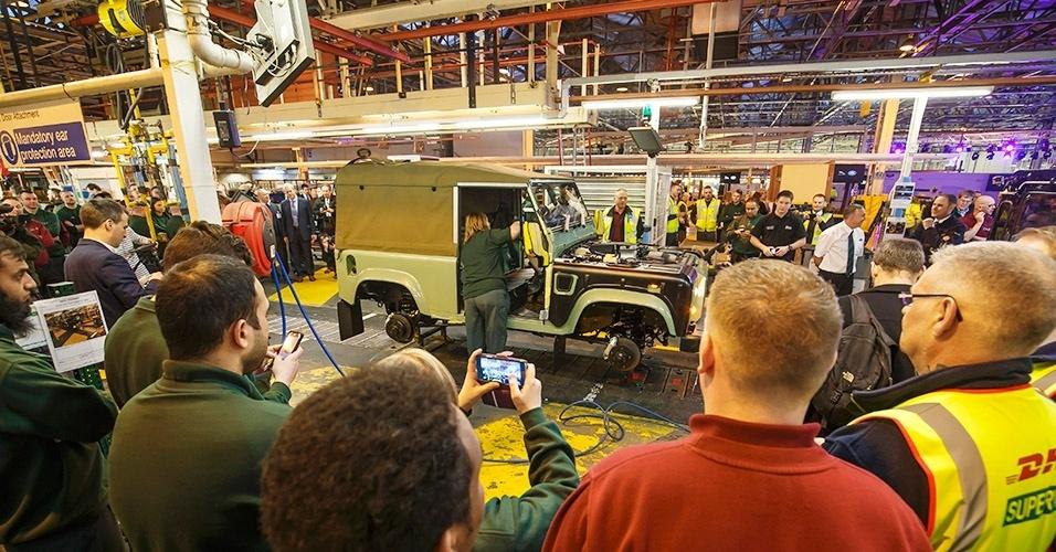 Produção do último Land Rover Defender