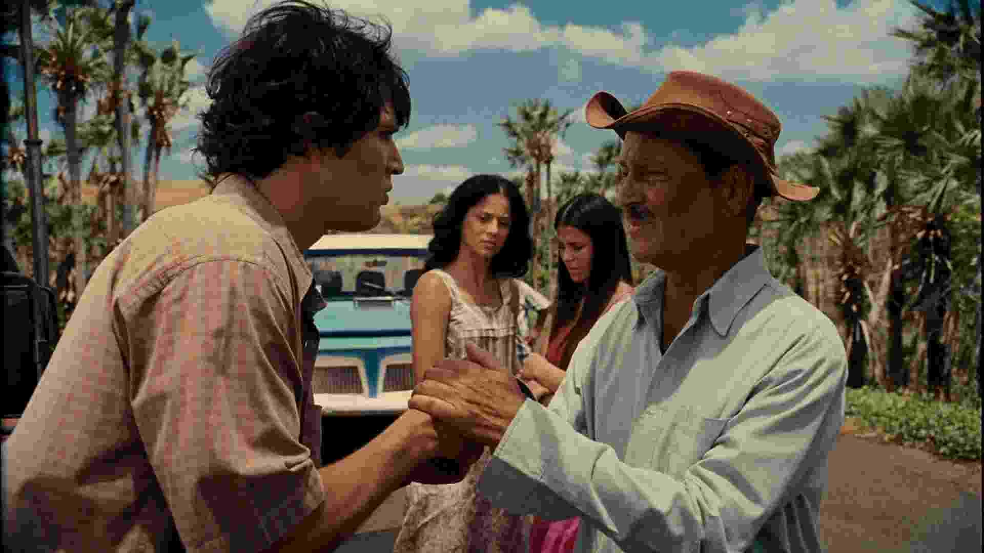 """Cena do filme """"Os Sonhos de um Sonhador - A História de Frank Aguiar"""" - Divulgação"""