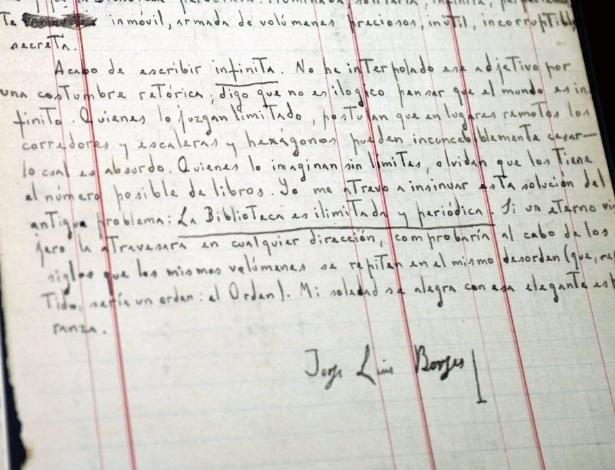 """Manuscrito de """"A Biblioteca de Babel"""", do argentino Jorge Luis Borges - Arantxa Iñiguez/Efe"""