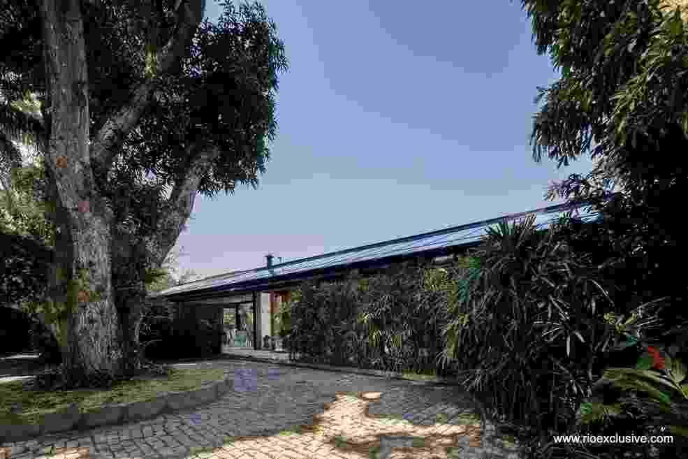 Justin Bieber vai se hospedar em uma mansão na Joatinga, zona sul do Rio. A diária do imóvel gira em torno de R$ 11 mil - Reprodução/ Rio Exclusive