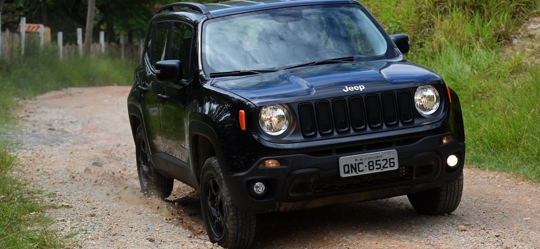 Jeep Renegade Custom 4x4: modelo marcou a fase de recuperação da marca lameira - Murilo Góes/UOL