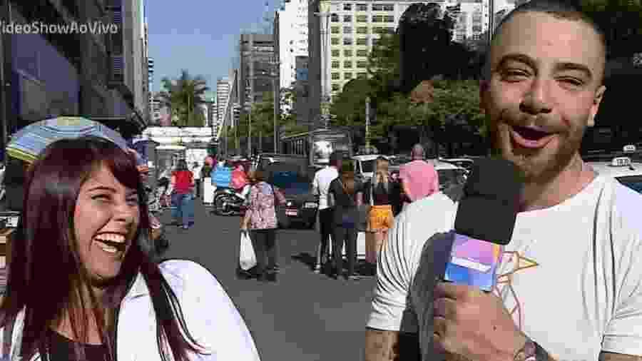 Felipe Titto se surpreende com cantada ao vivo - Reprodução/Globo