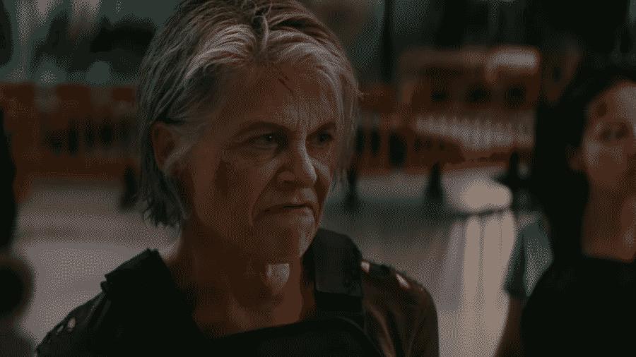 """Linda Hamilton em cena de """"Exterminador do Futuro: Destino Sombrio"""" - Reprodução/YouTube"""