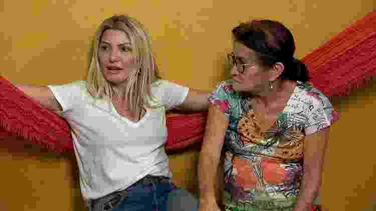 Antonia Fontenelle com a mãe adotiva durante o programa do Faro - Divulgação