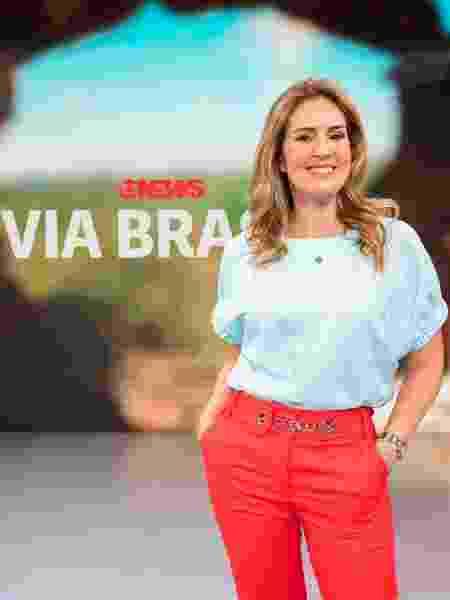 """Renata Capucci nos novos cenários do """"Via Brasil"""" - Victor Pollak/TV Globo"""
