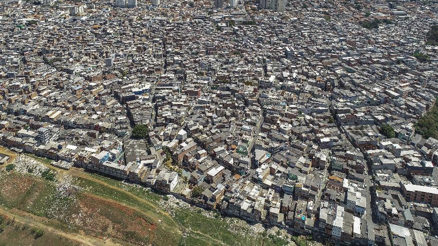 24 set. 2014 - Vista de drone da comunidade de Heliópolis - Rubens Chaves/Folhapress