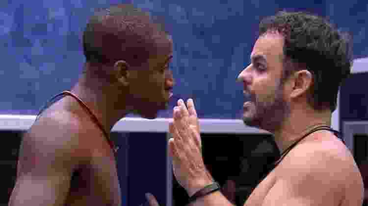 """Luan e Adrilles discutem no """"BBB 15"""" - Reprodução/Globo - Reprodução/Globo"""
