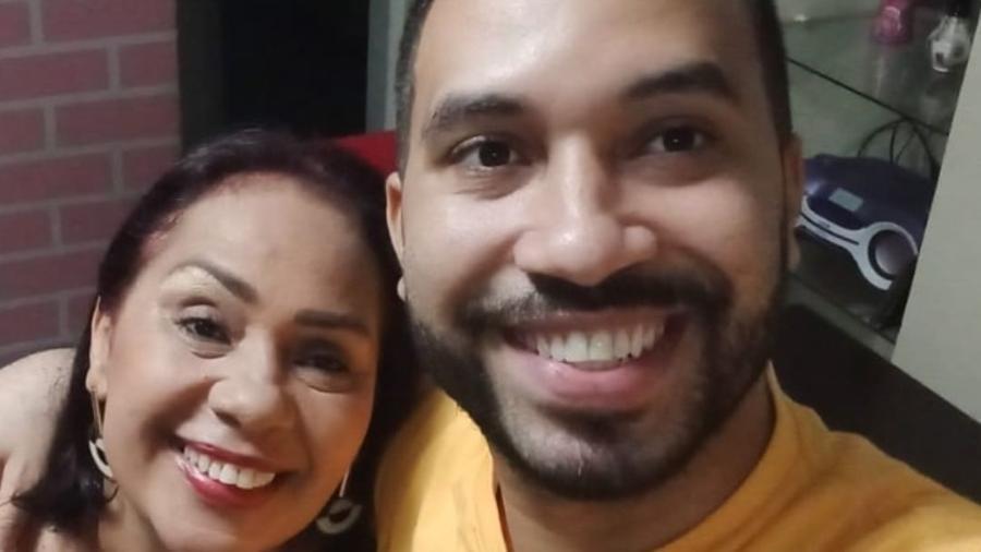 BBB 21: Mãe de Gilberto, Jacira Santana, ao lado do filho - Reprodução/Instagram