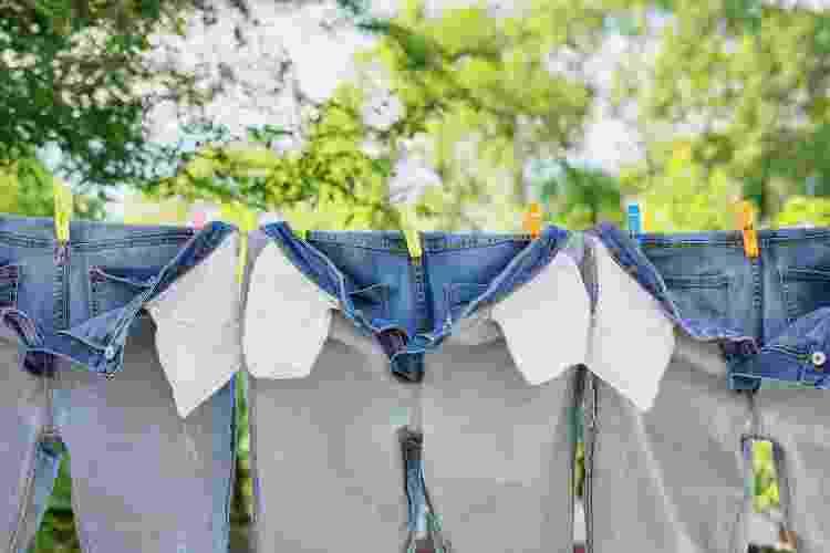Evite usar a máquina de secar roupas para as suas roupas jeans - Getty Images - Getty Images