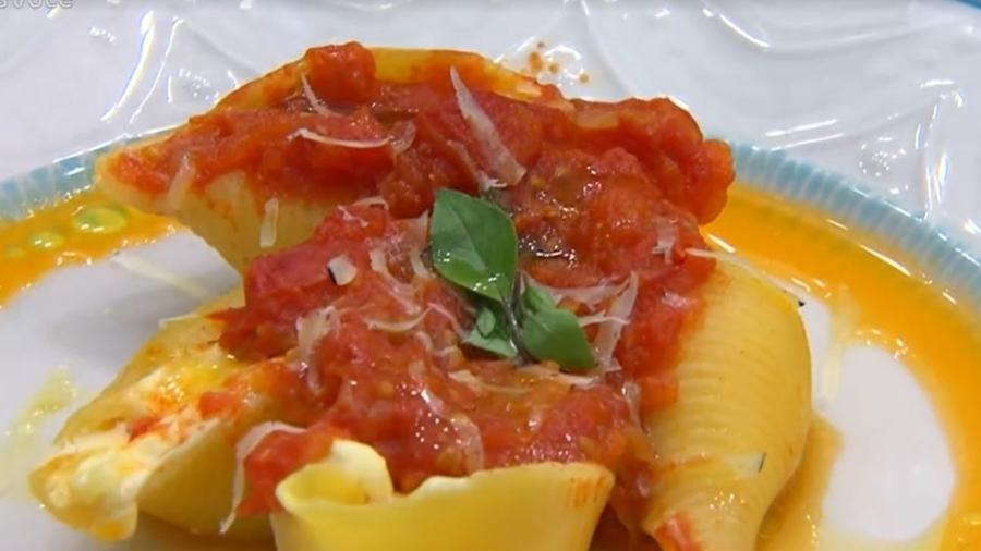 Conchiglione recheado com queijos ao molho de tomate feito por Ana Maria Braga - Reprodução/TV Globo