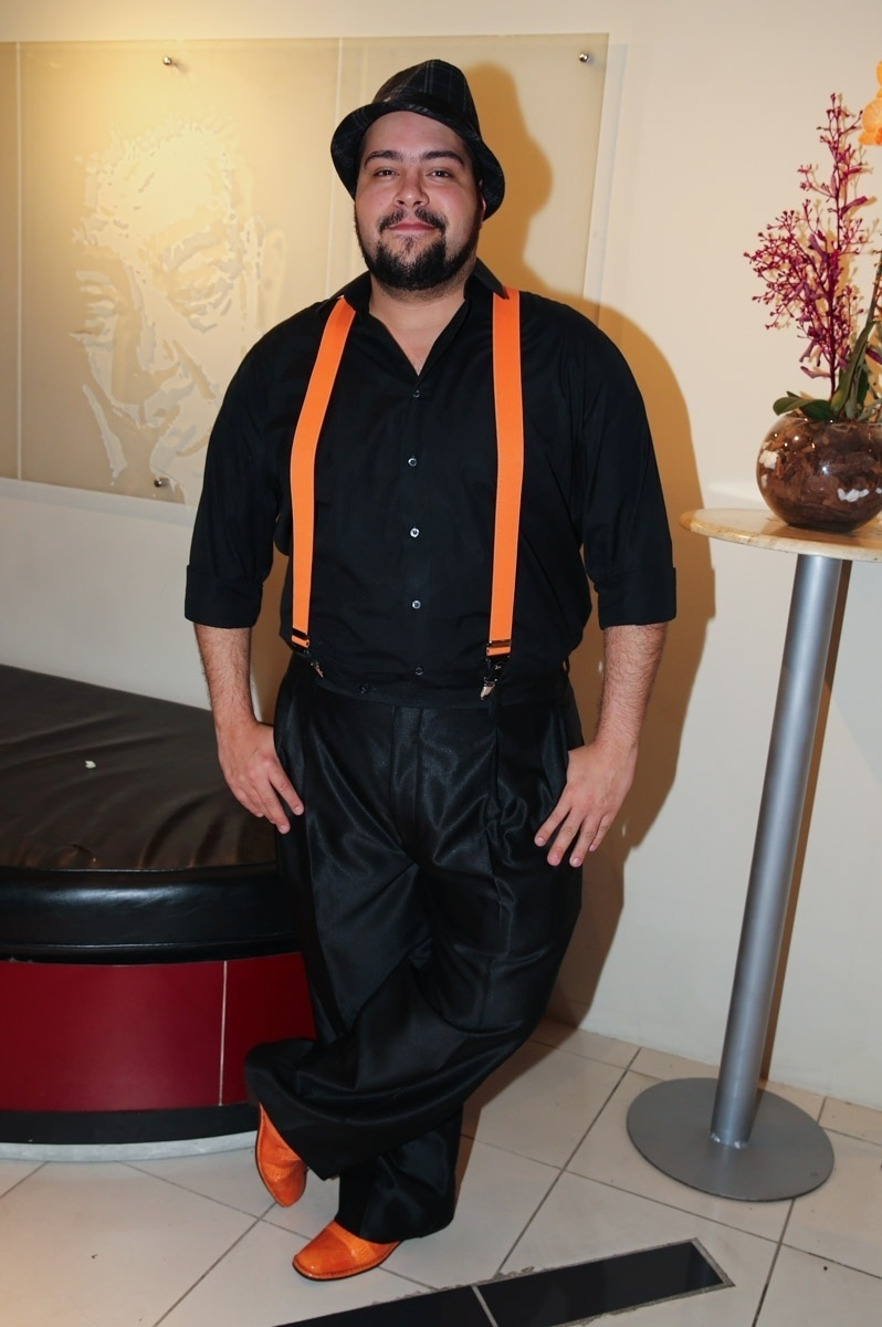 13.jul.2015 - Tiago Abravanel se destaca na pré-estreia para convidados do espetáculo