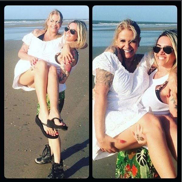 31.out.2015 - Monique Evans escolheu passar o final de semana prolongado em São Luis do Maranhão. Neste sábado (31), ela publicou no Instagram várias fotos românticas com a namorada Cacá Werneck, na praia de Araçagy.