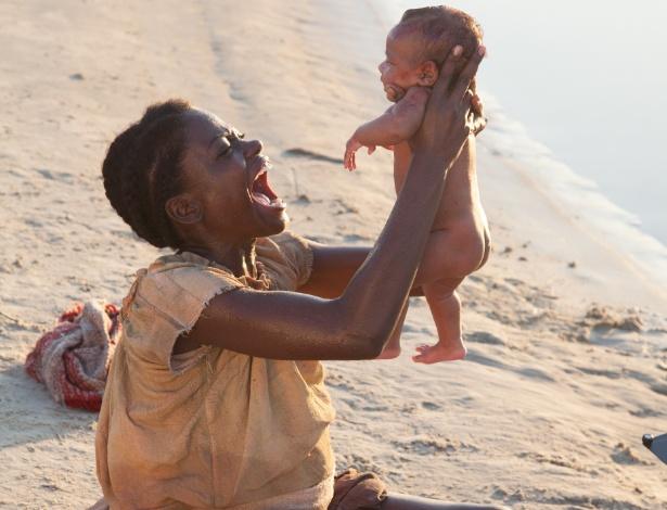 """Cena do primeiro capítulo de """"Escrava Mãe"""", da Record - Edu Moraes/Rede Record"""