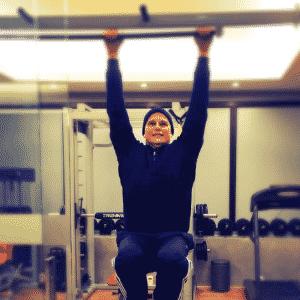 22.ago.2016 - Edson Celulari animou os fãs ao publicar uma foto se exercitando na noite dessa segunda-feira. Em tratamento contra um câncer, o ator mostrou estar muito bem disposto. - Reprodução/Instagram edsoncelularireal