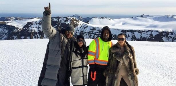 Parte do clã das Kardashian durante visita à Islândia, em abril de 2016 - Reprodução/Instagram.com/kourtneykardash