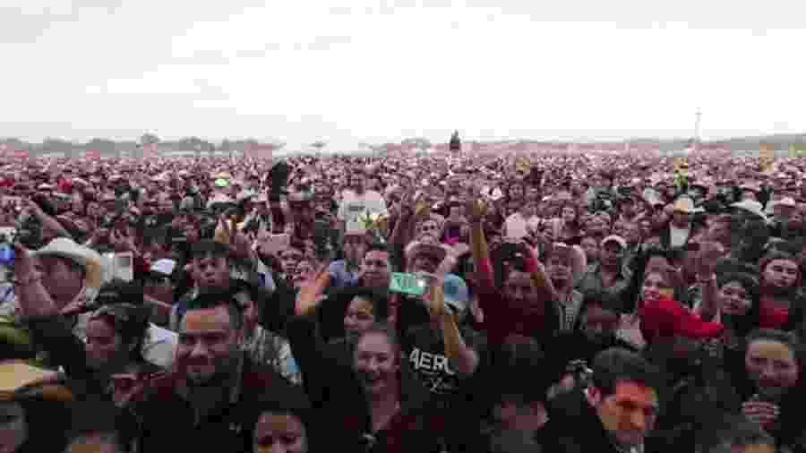Festa de 15 anos de Rubi Ibarra, em um vilarejo no México - BBC