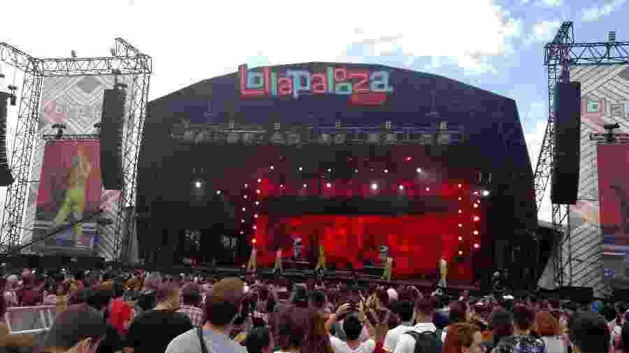 Jaloo dá início aos show do palco Axe do Lollapalooza - Renata Nogueira/UOL