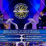 """Luciano Huck lançou um novo jogo de perguntas e respostas durante o """"Caldeirão do Huck"""", da Globo, na tarde deste sábado (6) - Reprodução/TV Globo"""
