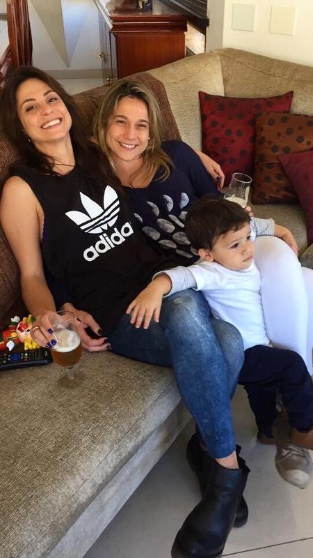 Fernanda Gentil com a namorada, Priscila Montandon, e o filho - Reprodução/Instagram