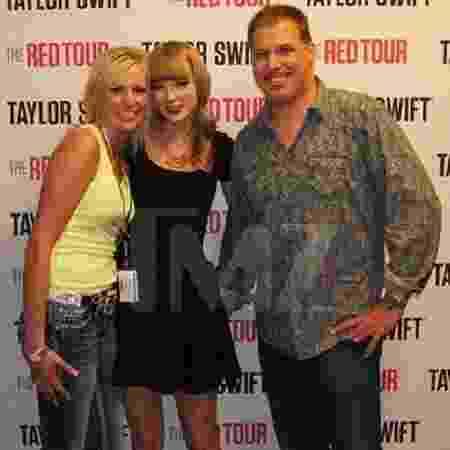O radialista David Mueller assedia cantora Taylor Swift  - Reprodução/TMZ