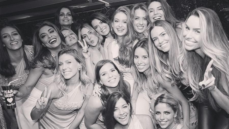 Marina Ruy Barbosa em sua despedida de solteira com algumas de suas madrinhas de casamento - Reprodução/Instagram/marinaruybarbosa
