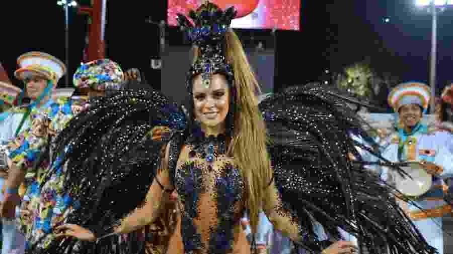 Denise Dias estreia como rainha de bateria da Inocentes de Belford Roxo, no Rio - Rodrigo Mesquita/Divulgação