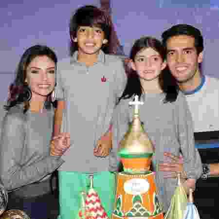Carol Celico e Kaká com os filhos, Luca e Isabella - Manuela Scarpa/Brazil News