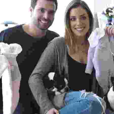 Filha de Roberto Justus, Fabiana revela gravidez de gêmeas