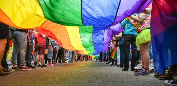 Governo escocês aprova educação sobre LGBTI nas escolas