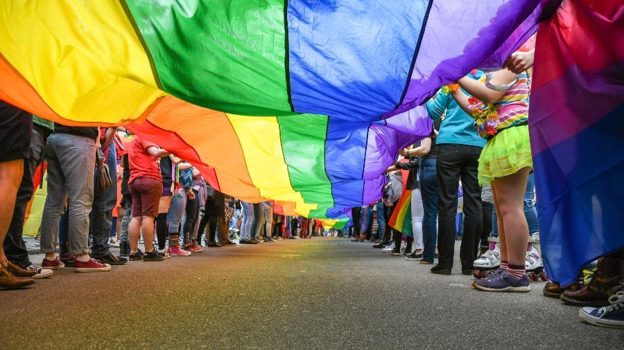 Governo escocês aprova educação sobre LGBTI nas escolas - mrtom-uk/iStock