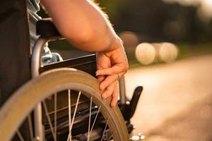 Quem se aposenta por invalidez pode se aposentar por idade? Qual a melhor?