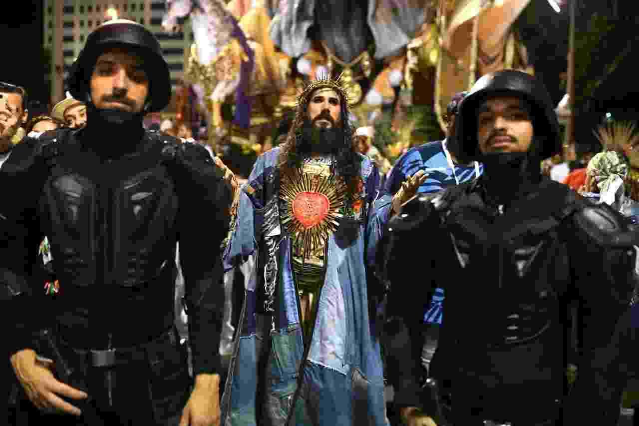 Concentração do desfile da Manguei - Lucas Landau/UOL