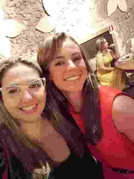 Atriz é madrinha do abrigo Au Family, de propriedade de Raquel Vianna; as duas se encontraram na capital paraense - Au Family/Divulgação