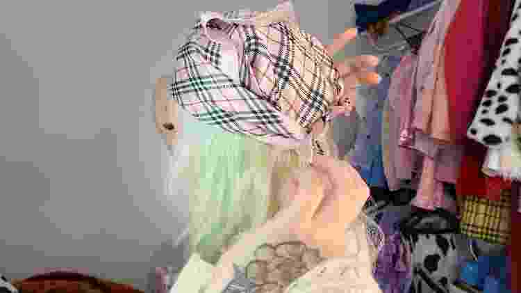 Lenço camponesa - foto 3 - Natália Eiras - Natália Eiras