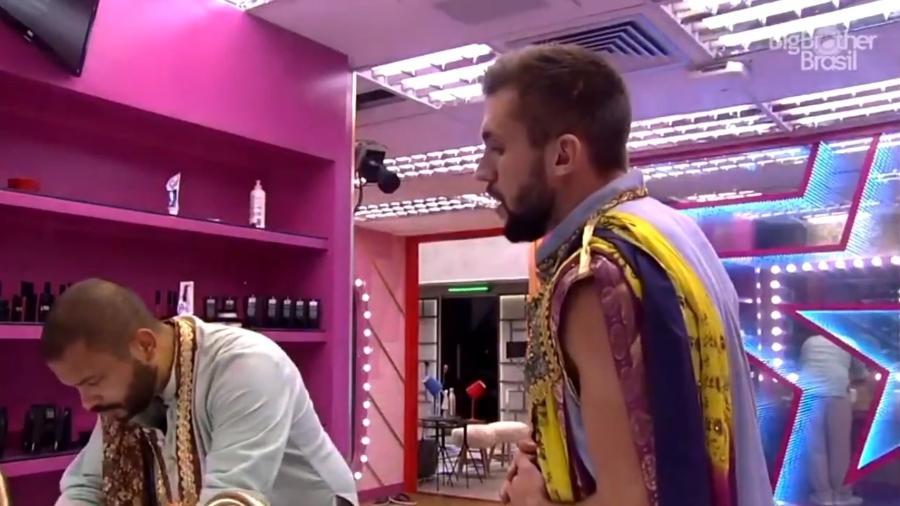 BBB 21: Arthur diz que se arrependeu de dar flechada em Carla - Reprodução/ Globoplay