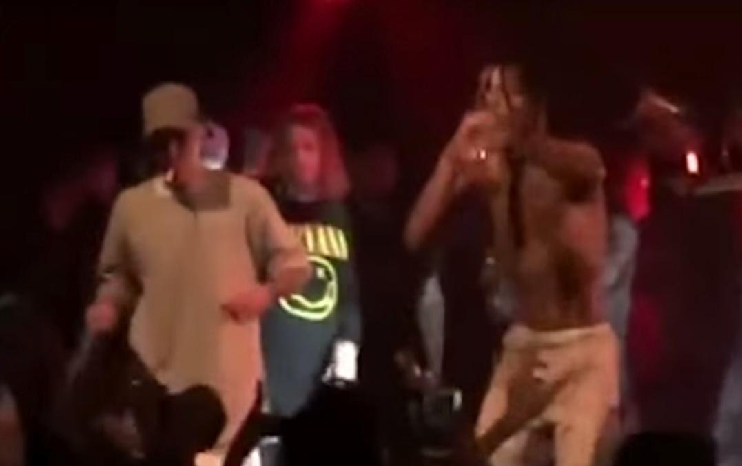 Justin Bieber fuma cigarro suspeito durante show de rapper na Nova Zelândia