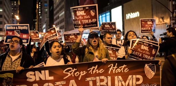 Latinos protestam contra Donald Trump em Nova York