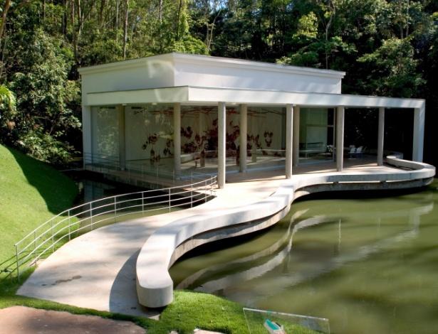 A instalação True Rouge (1997), de Tunga, ficará disponível para visitação noturna  - Divulgação