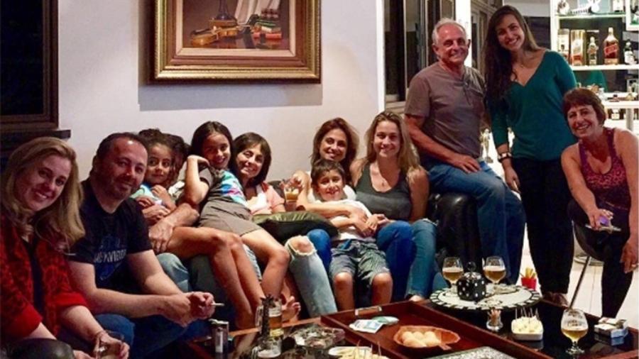 Fernanda Gentin se reúne com a família da namorada Priscila Montandon - Reprodução/Instagram