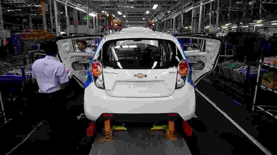 Linha de montagem do subcompacto Chevrolet Beat (conhecido em outros mercados como Spark) na Índia. Citycar chegou a ser cogitado para substituir o Celta no Brasil, mas planos foram interrompidos - Danish Siddiqui/Reuters