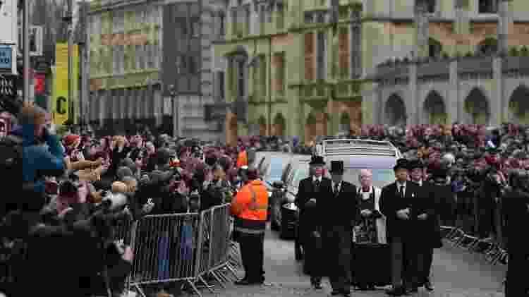 Centenas de pessoas acompanham funeral de Stephen Hawking em Cambridge, Inglaterra - Daniel Leal-Olivas/AFP Photo - Daniel Leal-Olivas/AFP Photo