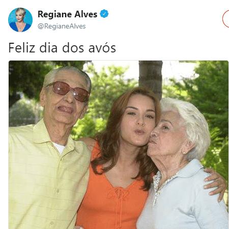 Regiane Alves na pele de Dóris, ao lado de Oswaldo Louzada e Carmem Silva, que faziam os papeis de seus avós, Leopoldo e Flora, respectivamente - Reprodução/Twitter