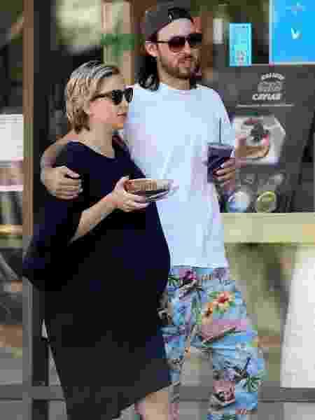 Kate Hudson e o namorado Danny Fujikawa esperam o terceiro filho, desta vez, uma menina - Backgrid/Pinterest