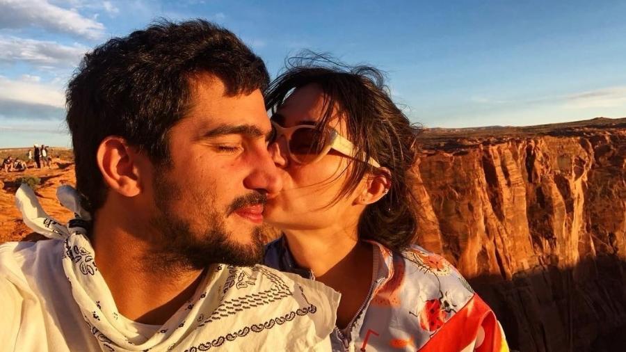 Renato Góes comemora 1 ano de namoro com Thaila Ayala - Reprodução/Instagram/renatogoess