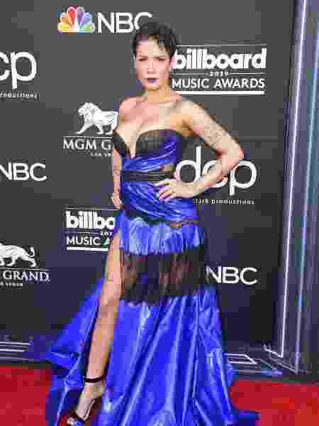 A cantora Halsey chega ao Billboard Music Awards 2019, em Las Vegas - Frazer Harrison/Getty Images/AFP